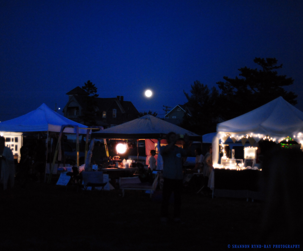 Vendors under a full moon at MV SOUND 2014