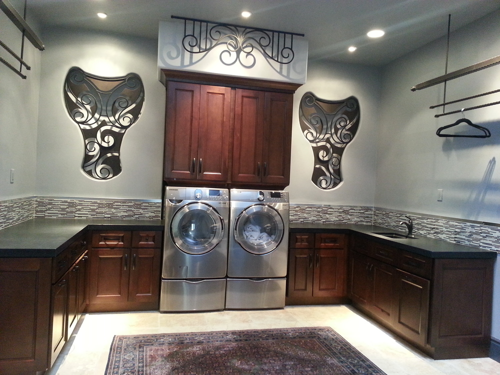 Rancho Santa Fe, Ca -Laundry room