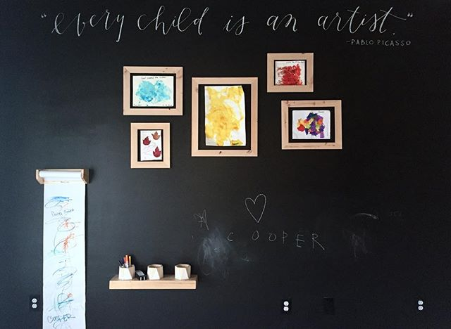 """""""Every child is an artist"""" - Pablo Picasso // hand lettered Picasso quote! A nice touch to an already awesome playroom! Thumbs up to all the moms out there! ❤️ #kellyleedesign #chalk #chalkart #chalklettering #lettering #quote #picasso #custom #calligraphy #inspiration #playroom"""