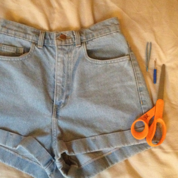 These are the shorts in their natural form. Cute, but meh. Grab a pair of sharp fabric scissors, a seam ripper, and your everyday trusty tweezers.