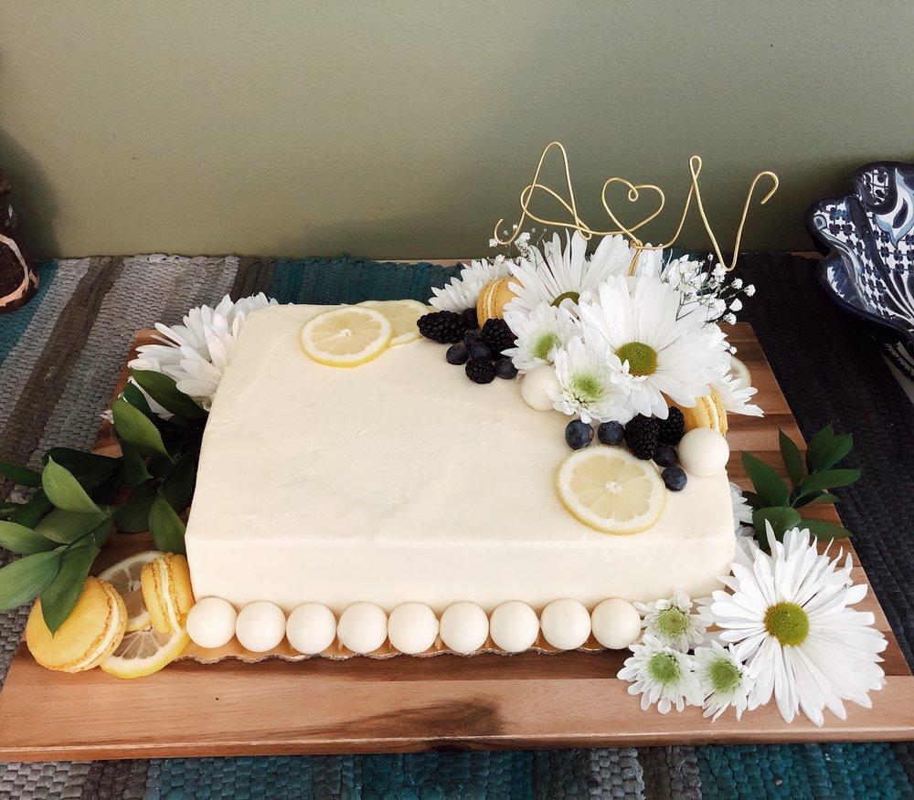 diy wedding cake decor sunflowers yellow blueberry lemon