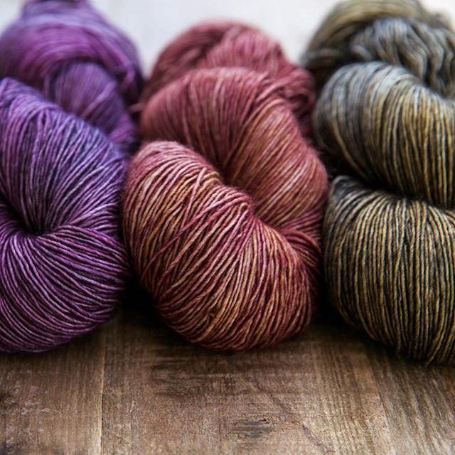 Early Spring + Rose Gold + Woodsmoke  #sweetfiberyarns #handdyedyarn #knittersofinstagram #dyersofinstagram #knitting_inspiration #yarn #yarnlove #indiedyer #knitting