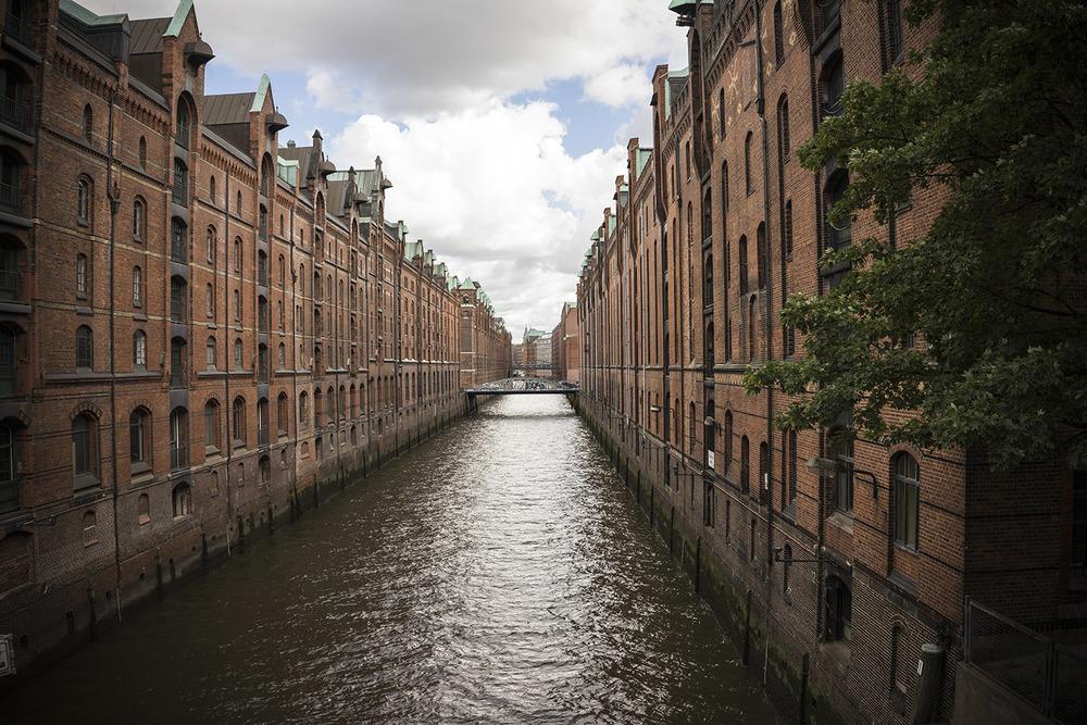 Hamburg Canal 01.jpg
