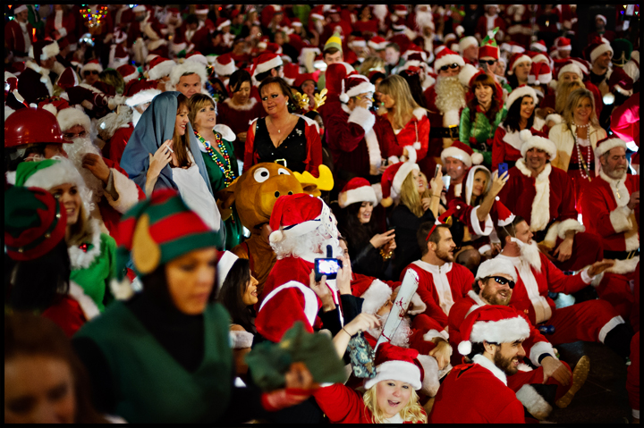 AN expected 1,000 revelers dressed as Santa Claus and other christmas icons bombard Nashville on Saturday, December 15, 2013. Photo by Brian Powers