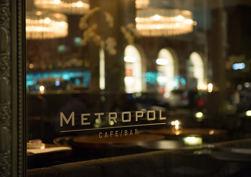 restaurant_bar_02.jpg