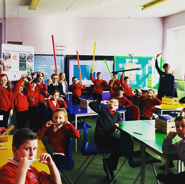 Very excited to have started our schools education programme in #EastLothian primary schools with a session exploring the physics of sound with boomwhackers, slinkies and lolly pop kazoos at Pinkie and #Musselburgh Burgh Primary!! Brains & senses next week!  Find out more www.scienceceilidh.com/schools #youthmusicinitiative #scicomm #education #sciencemusic #starwars