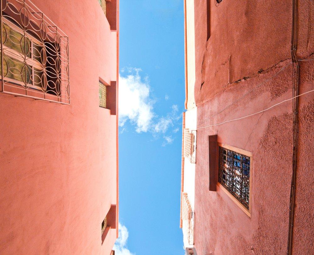 sky walls arabic x01lfnj-djk-tyler-hendy.jpg