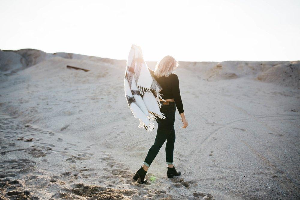 girl desert.jpg