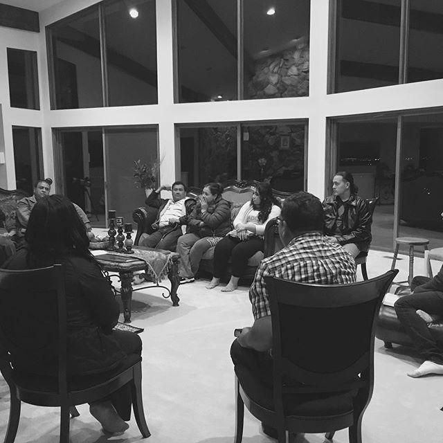 Pastor  David Eghelshi  y su Celula #church #meeting #celula #medes