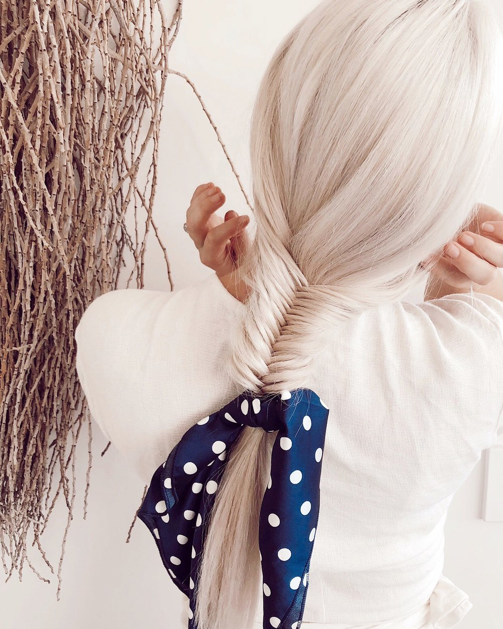 Scarf : www.shoppeach-it.com Hair:  DD+Co