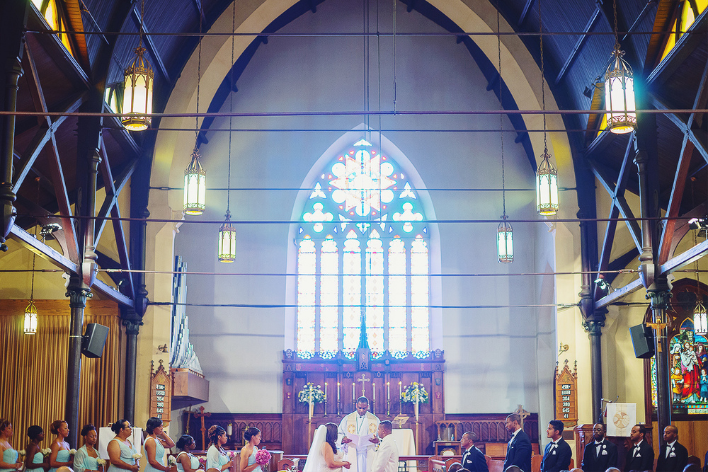 St Luke's Episcopal church in washington dc wedding photos