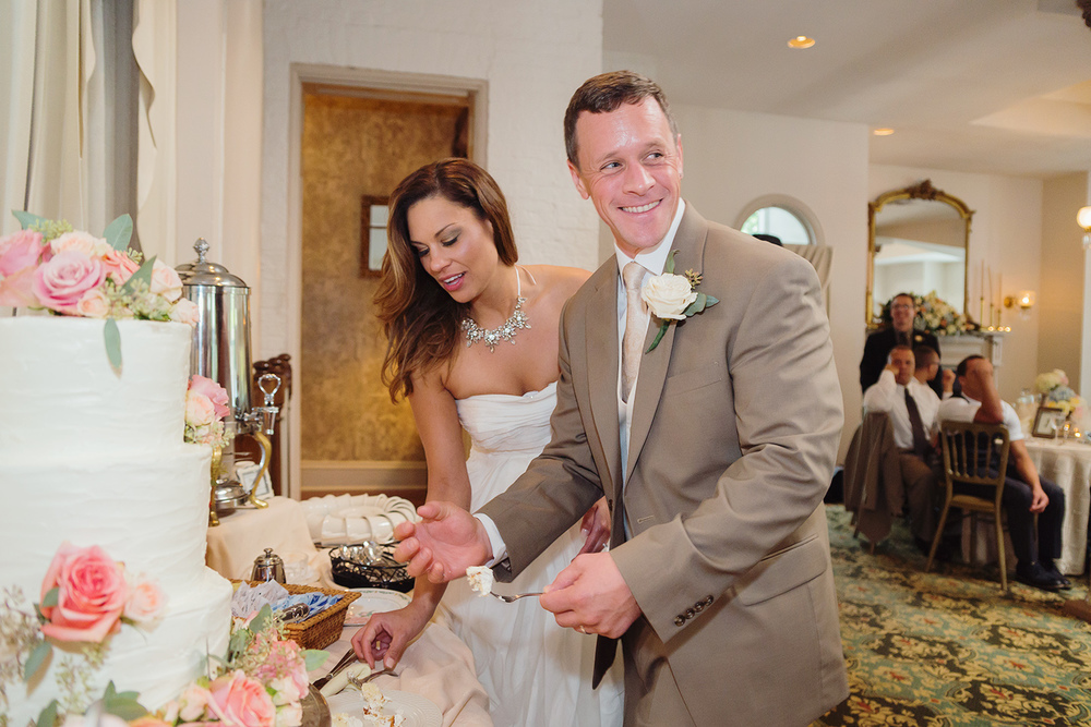 Cake cutting at Ceresville Mansion reception