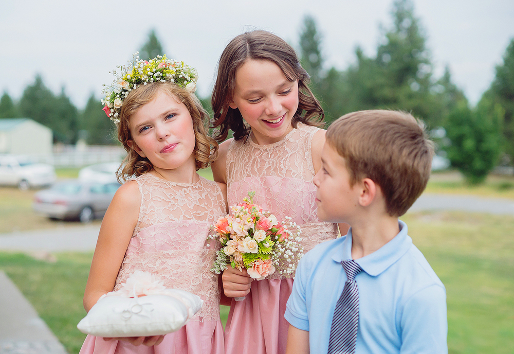 Flower girls and ring bearer at Athol Idaho backyard wedding