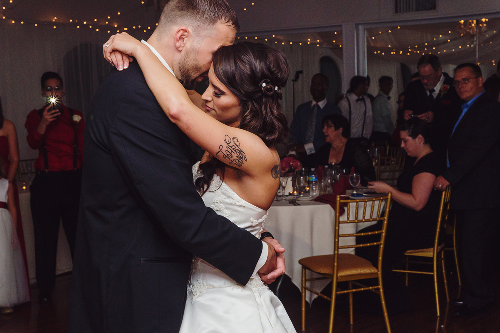 First dance at Bristow Manor wedding in Virginia
