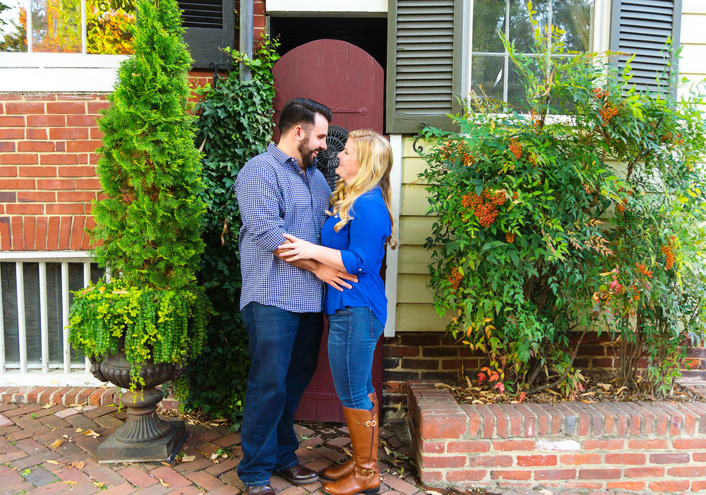 Fall and christmas engagement session in alexandria virginia