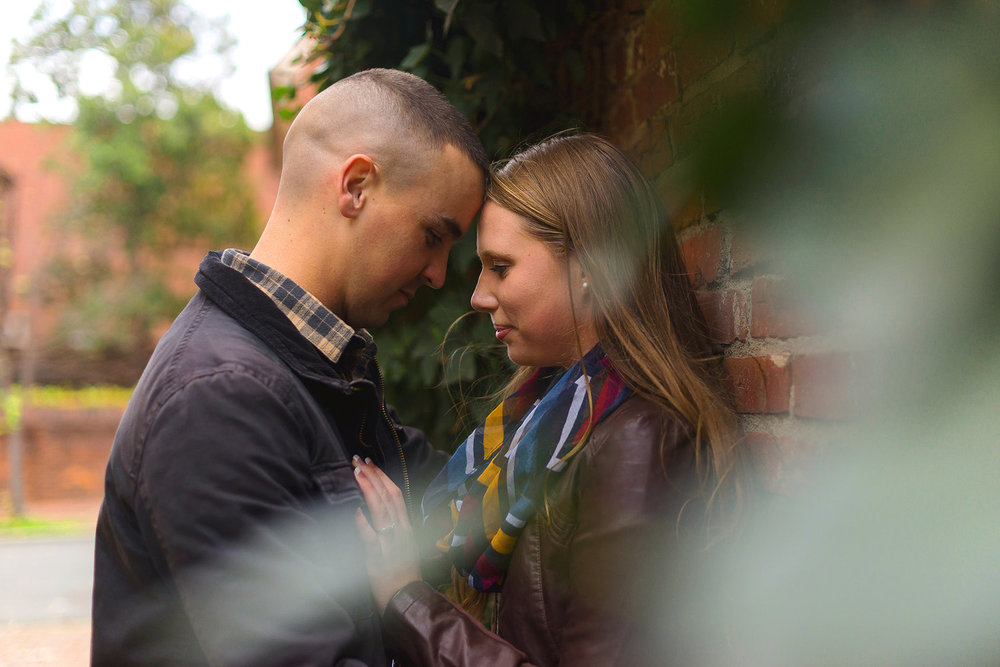 Old Town Alexandria fall engagement session by Jessica Nazarova