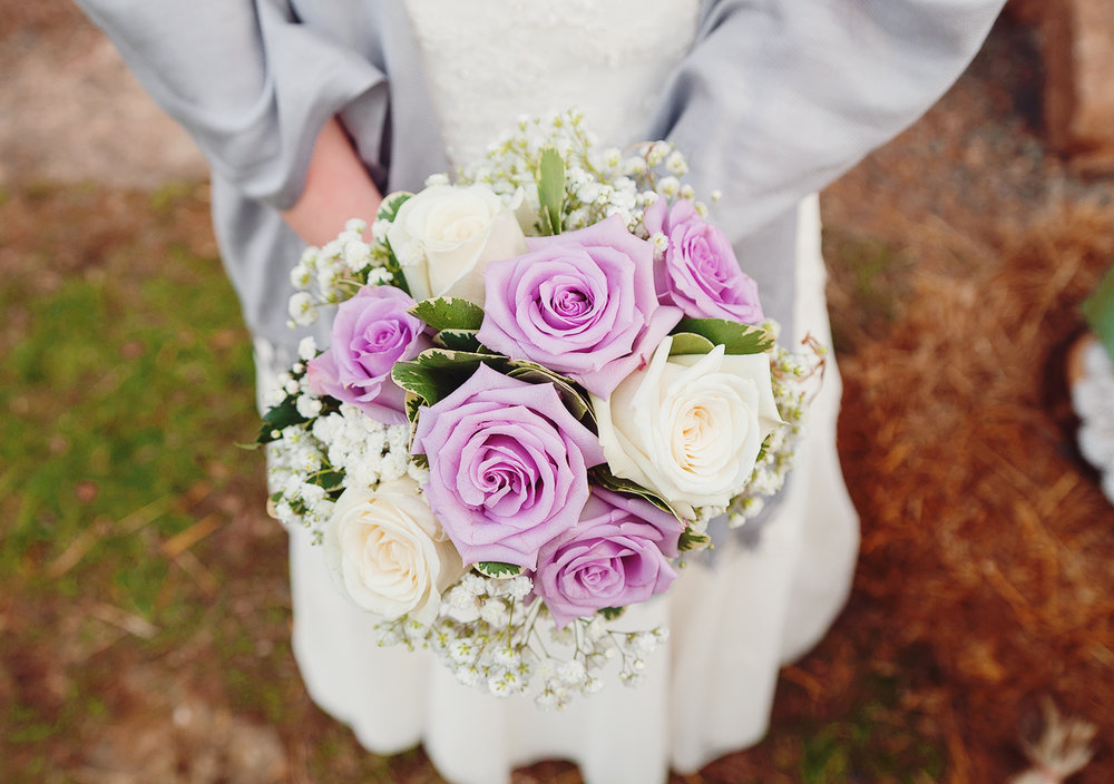 Gorgeous winter bride bouquet at Steppingstone Museum photography