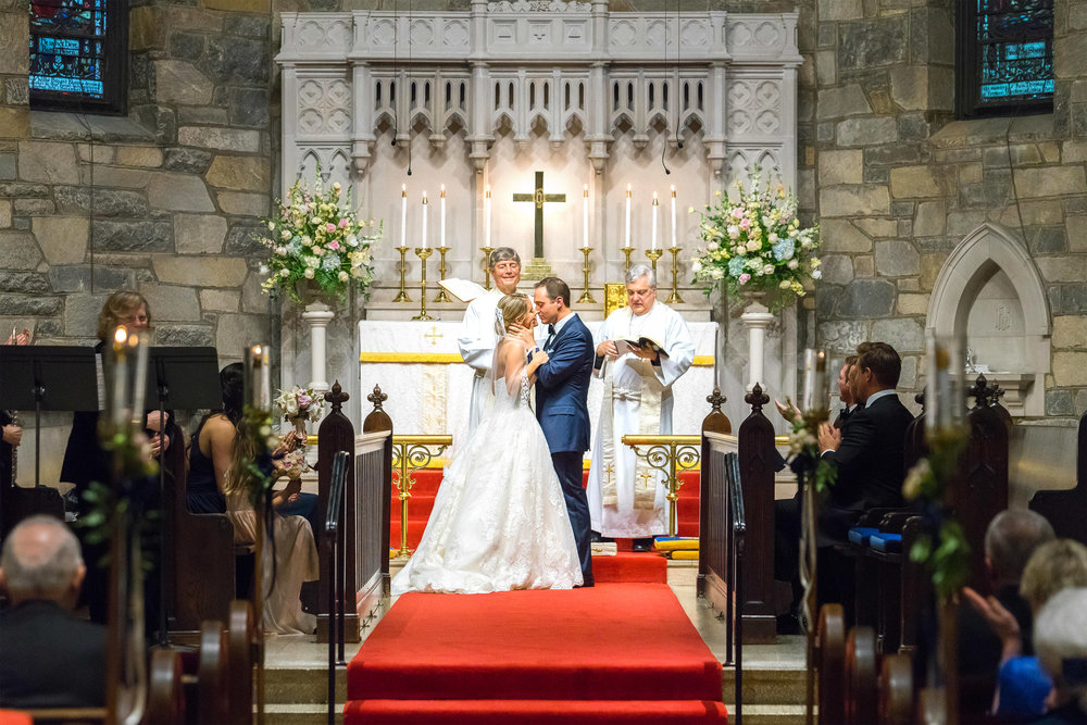 Gorgeous wedding at Chevy Chase All Saints Church