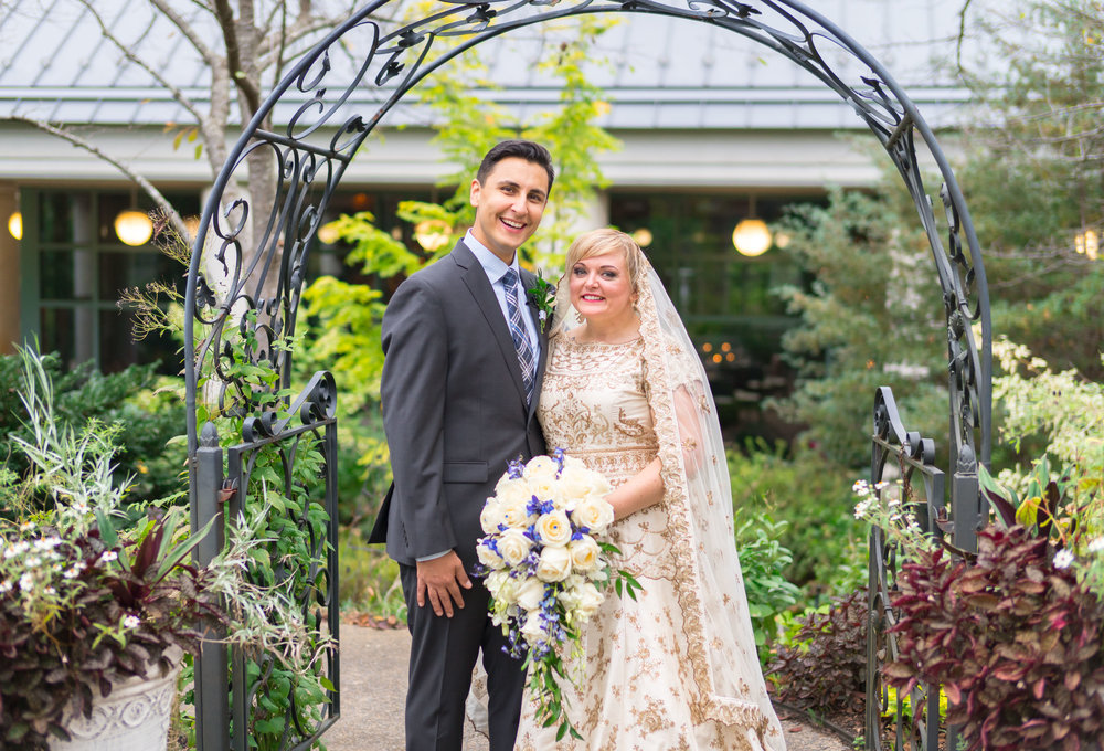 gorgeous bride and groom photos at meadowlark botanic
