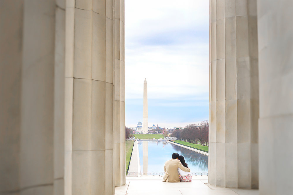 Washington DC Lincoln Memorial engagement photo by Jessica Nazarova