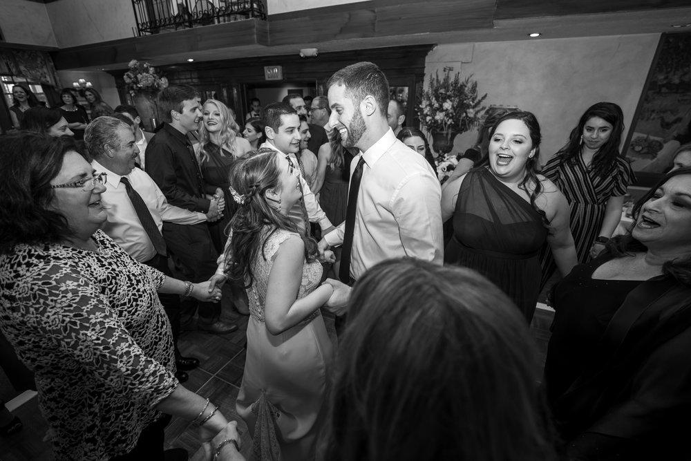 Bride and groom's Jewish wedding in Bethesda maryland