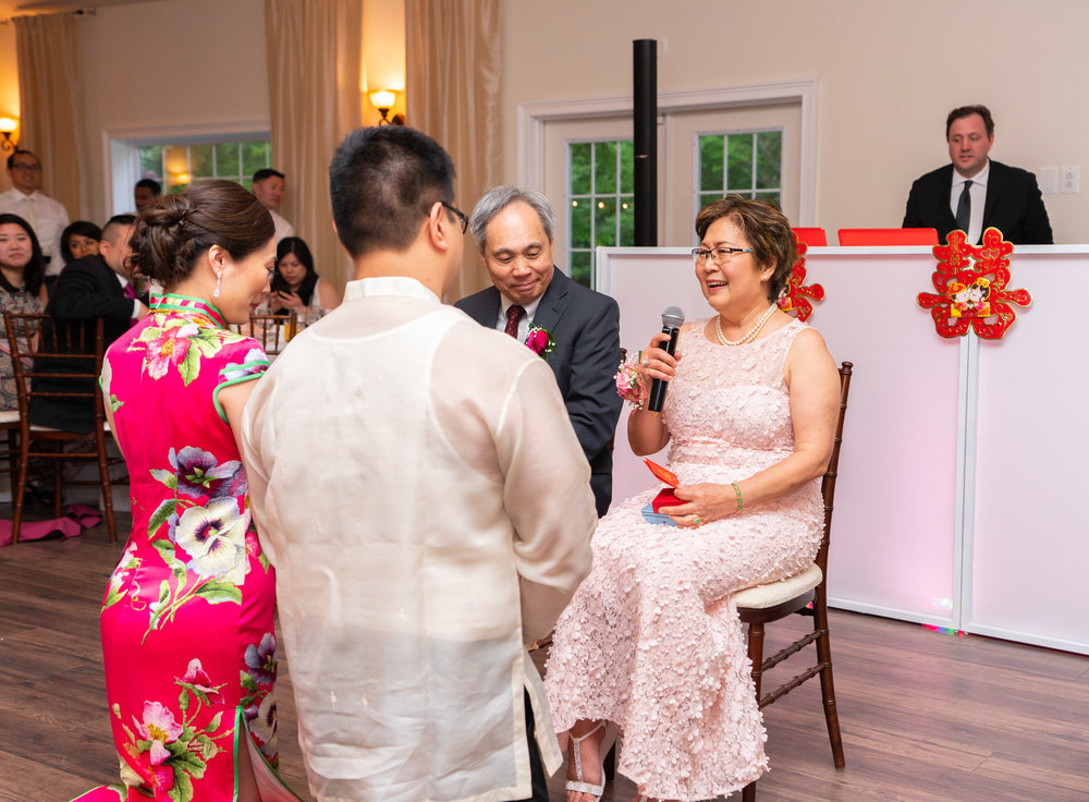 Chinese tea ceremony at Lost Creek Winery in Virginia