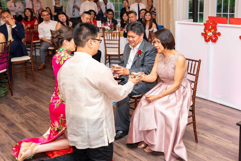 Chinese tea ceremony wedding photos at Lost Creek Winery