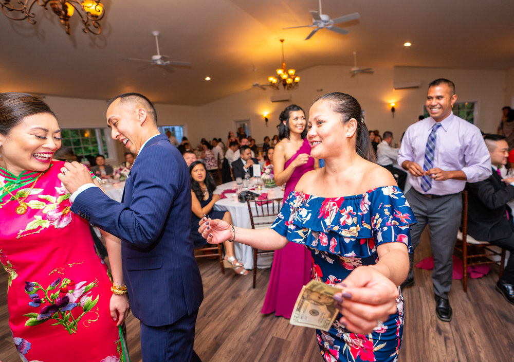 Money Dance at Filipino Chinese wedding at Lost Creek Winery