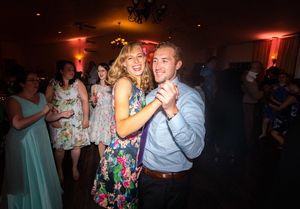 MagMod dance floor photo using Mag Grid at a wedding