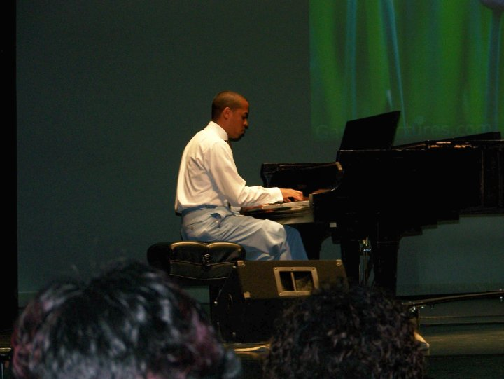 Robert Waldrup - Piano Student
