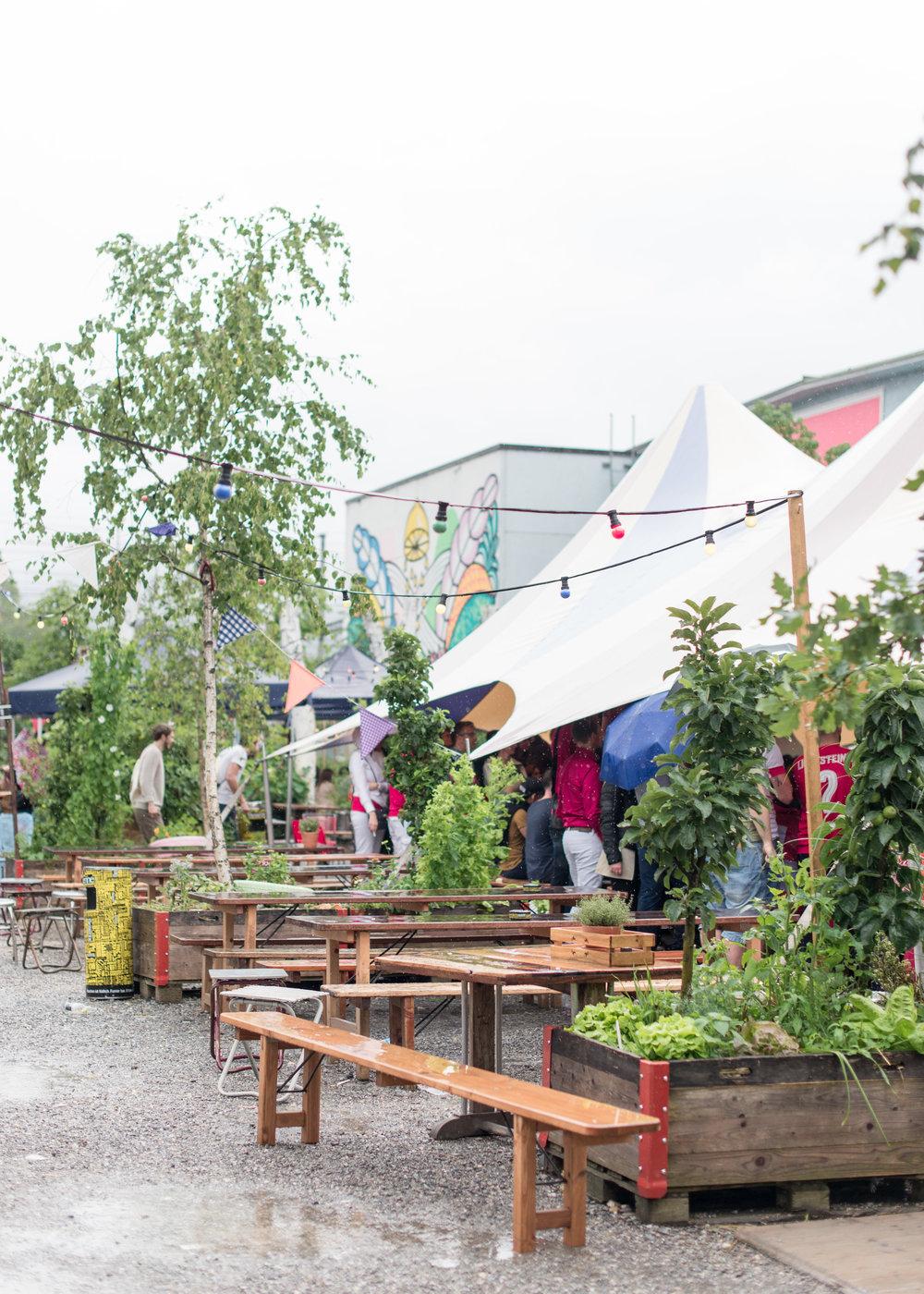 Carley Rudd - Frau Gerold Garten Zurich Switzerland