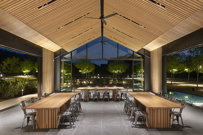Award of Merit for Energy & Environmental DesignEric Johnson Associates, Inc.Silver Oak Alexander Valley Winery Interior - Lighting Designers: Eric Johnson, Markus Wolf