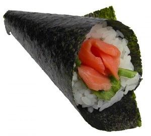 Så här kan det se ut när man gör sushi hemma på egen hand. En strut av nori med ris, fisk och eventuellt annat inuti  Supersmarrigt, och ofta mycket bättre och billigare än de mindre besöksvärda sushikrogarna.