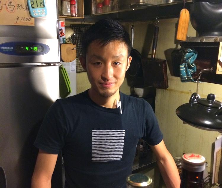 Kobayashi-san driver tre ställen i Sangenjaya; ett med kyckling som specialitet, en fiskkrog i japansk stil och en köttkrog med medelhavsstuk.