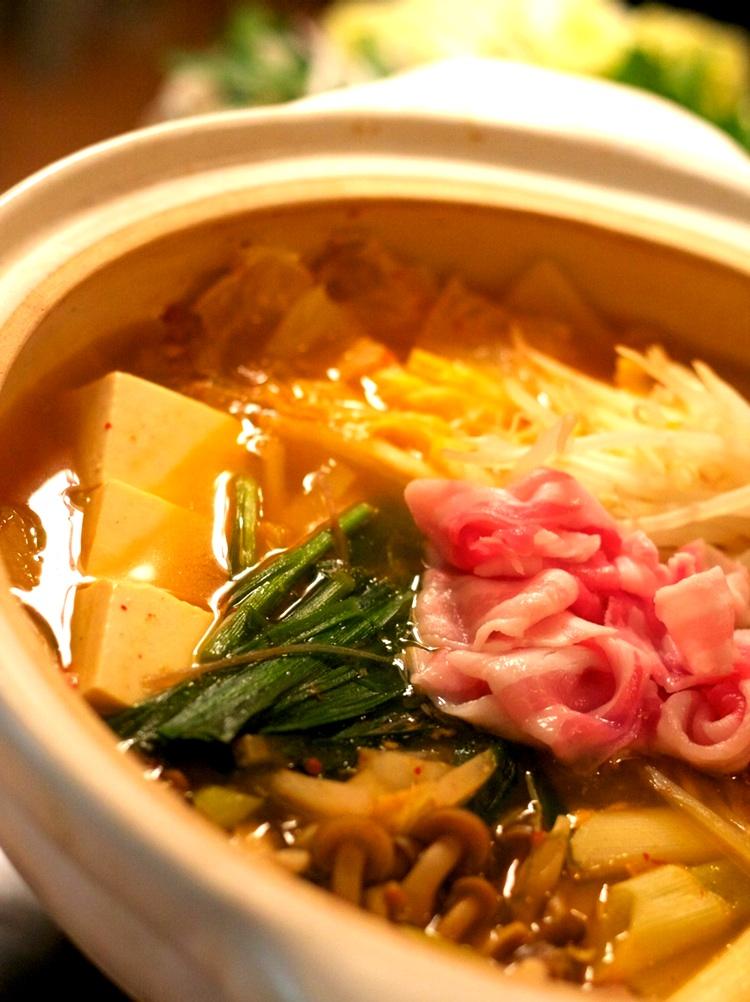 Nabe  är samlingsnamnet på japanska grytor - goda och värmande under den japanska vintern.