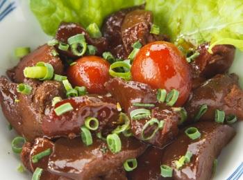 Kycklinginälvor kokta i teriyakisås.