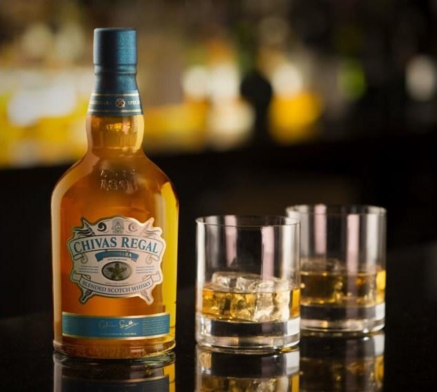Chivas Regal Mizunara är en whisky som lagrats på japanska ekfat.