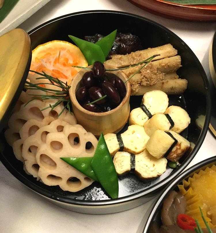 Japansk nyårsmat handlar till 70-80% om grönsaker.