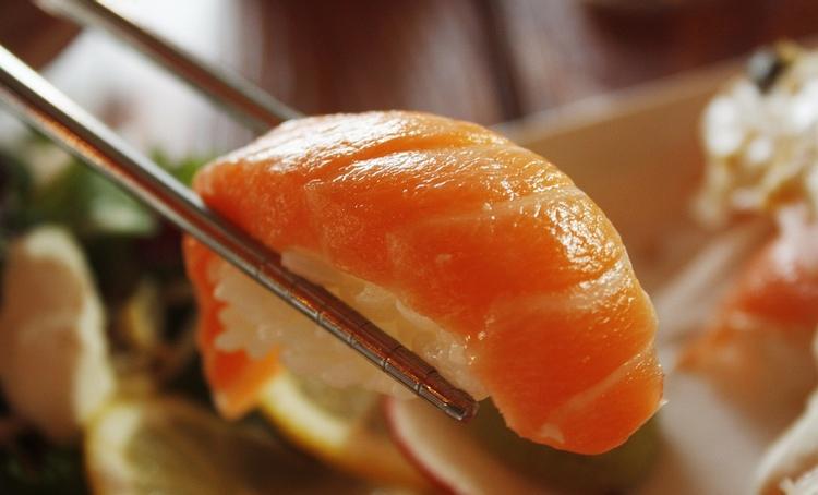 För den som vill äta en bit god mat redan strax efter ankomst, eller som en sista suck av välmående före avresan, så finns det en hel del att välja mellan ute på Narita.  Foto: Public Domain