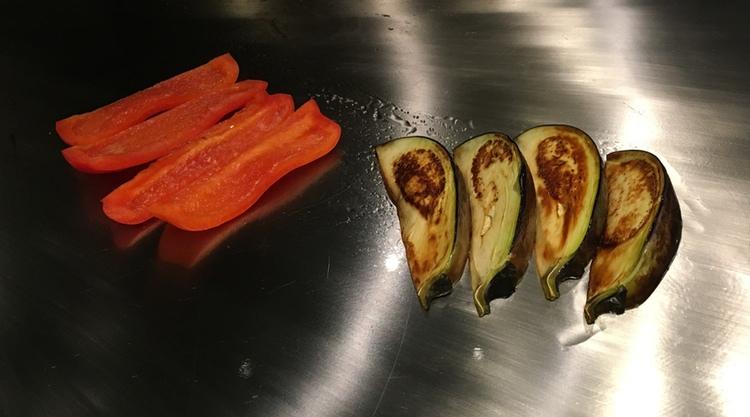 Grönsaker ingår alltid i en typisk teppanyaki-meny.