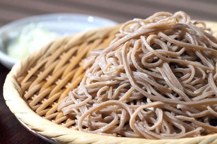 Soba-nudlar är en nödvändig ingrediens på nyårsafton i Japan.  Foto: Public Domain