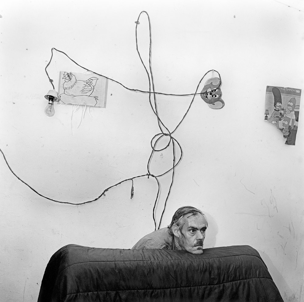 Roger Ballen, Head Below Wires, 1999