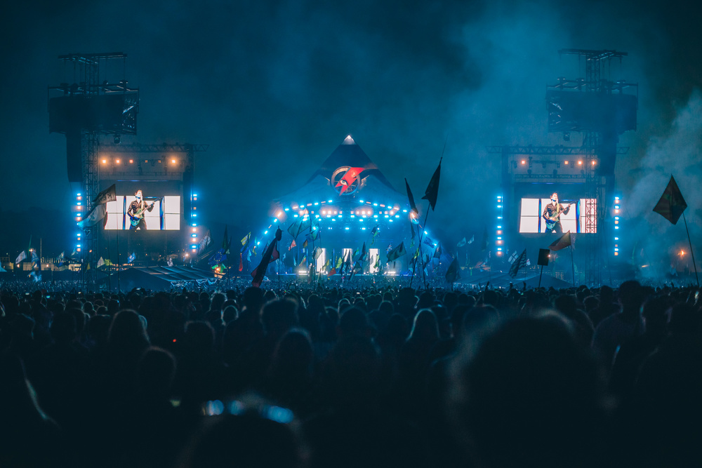 glastonbury festival, 2016, muse, pyramid stage