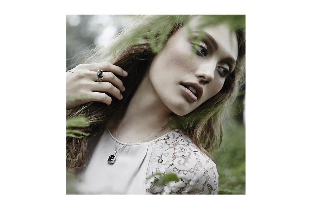 Rebecca Riegger Stylist Moi Moi Jewellery _ 2.jpg