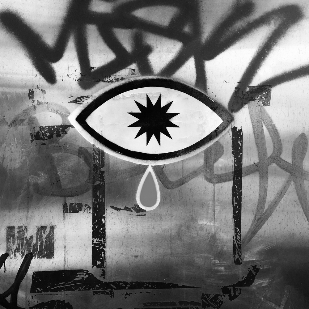 #sevensistersroad #holloway #eye #explosion #teardrop #notesfromunderground #inmemory #memory #reflection #snuff #snuffcreative #punklondon #pictogram #ideogram #petroglyph #hieroglyph #graphic #streetart #london snuffcreative2016