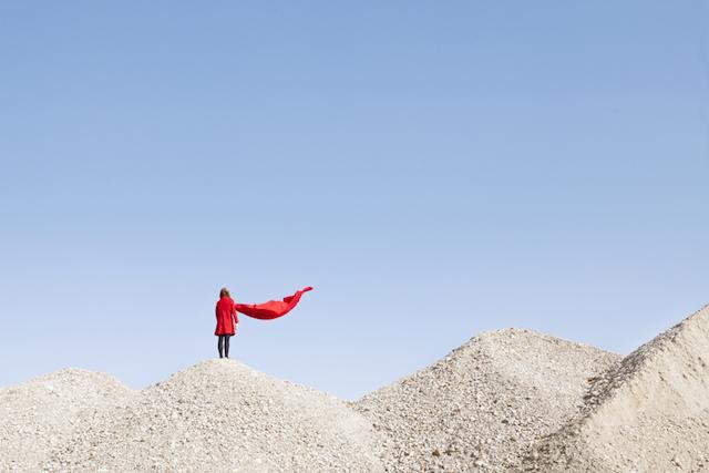 L'artiste française  Maia Flore  ,