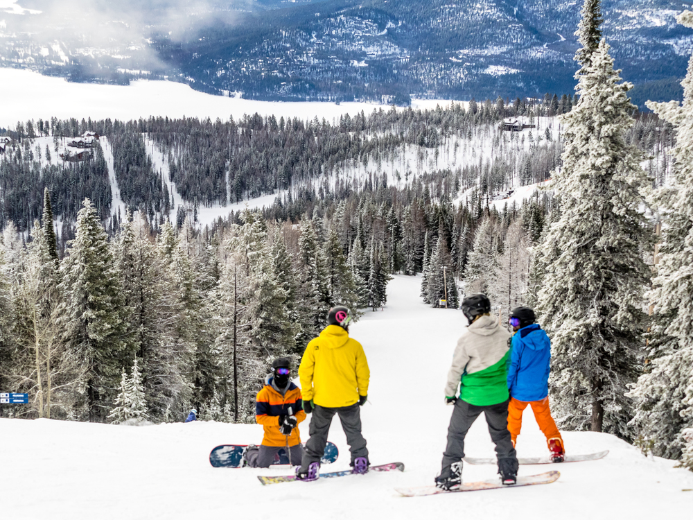 Snowboardinbg-RIDGE-Mountain-Academy-3.jpg