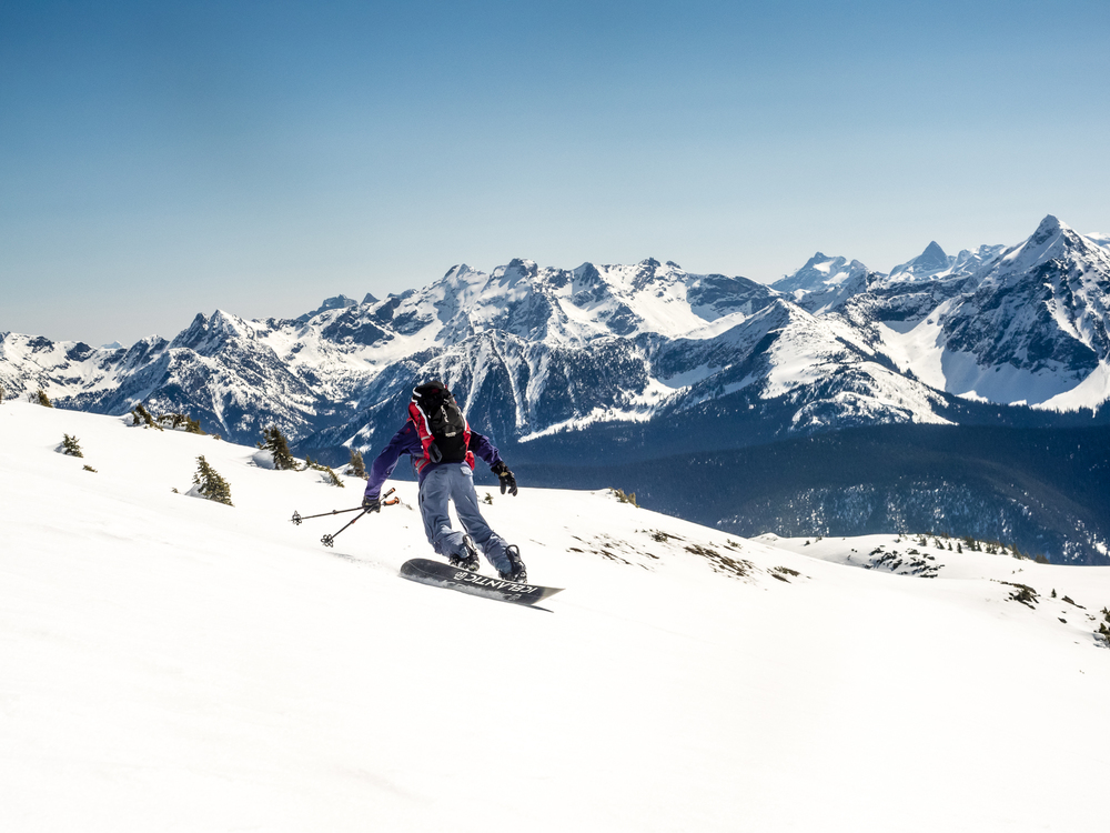 Snowboardinbg-RIDGE-Mountain-Academy-7.jpg