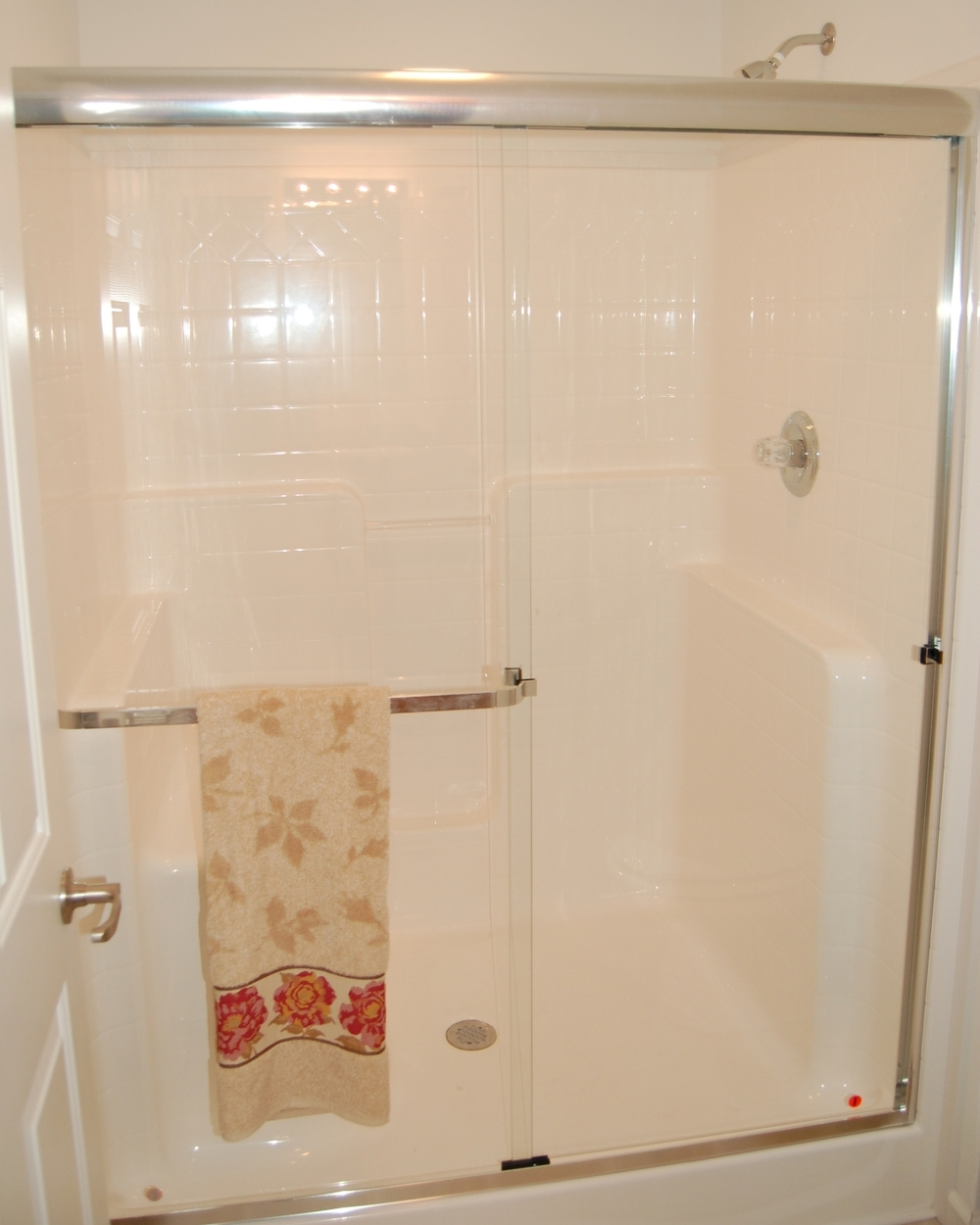 Opt. Romantica Shower Stall