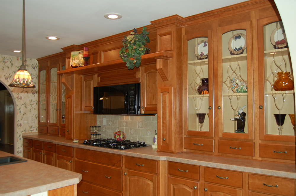 """Galley Hearth with opt. 36"""" drop-in cook top and full-extension pot & pan drawers below range"""